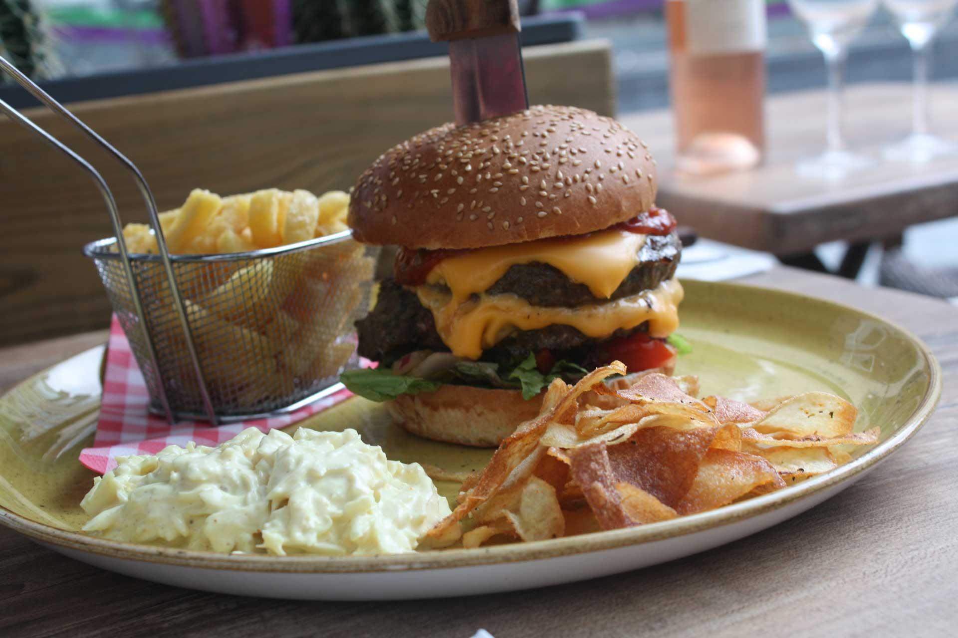 http://cantinasanjuan.com/wp-content/uploads/2018/10/burger-over-ons.jpg